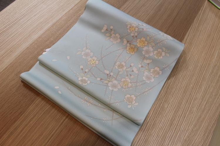 水色の桜の染め帯