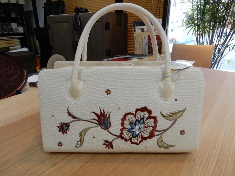 衿秀の刺繍利休バッグ