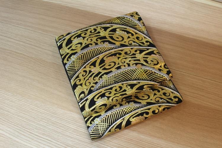龍村美術織物の厨子透彫文の袋帯